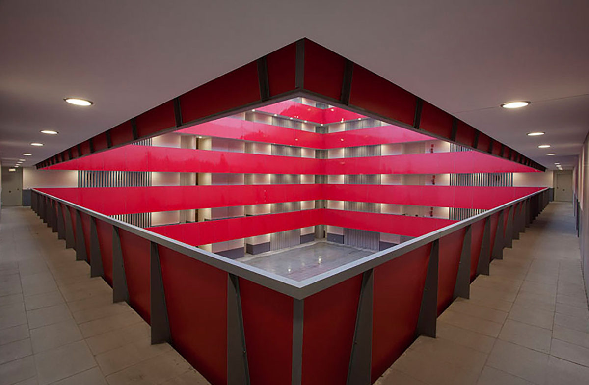 Central courtyard with red lacquered guardrail